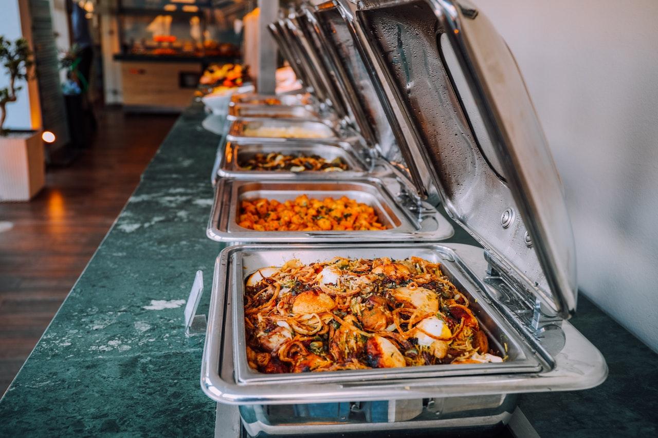 Nerezový gastronábytok – výdajné stoly